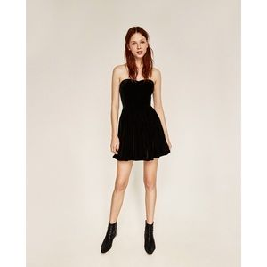 Zara Dresses - Zara Velvet Luxurious Sweetheart Strapless Dress
